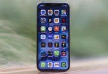iPhone с LCD-дисплеем