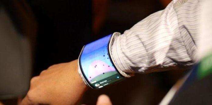 гибкий смартфон с сенсорным экраном