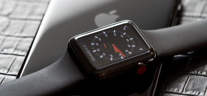 Apple Watch Series 4 виснут