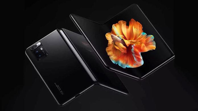 Xiaomi запатентовала складной смартфон с почти 100% соотношением экрана к корпусу